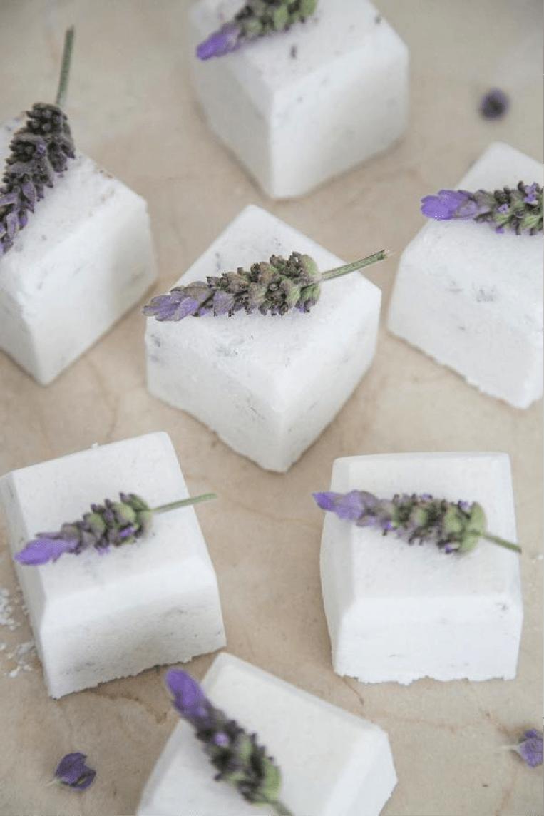 DIY bath bomb wedding favor
