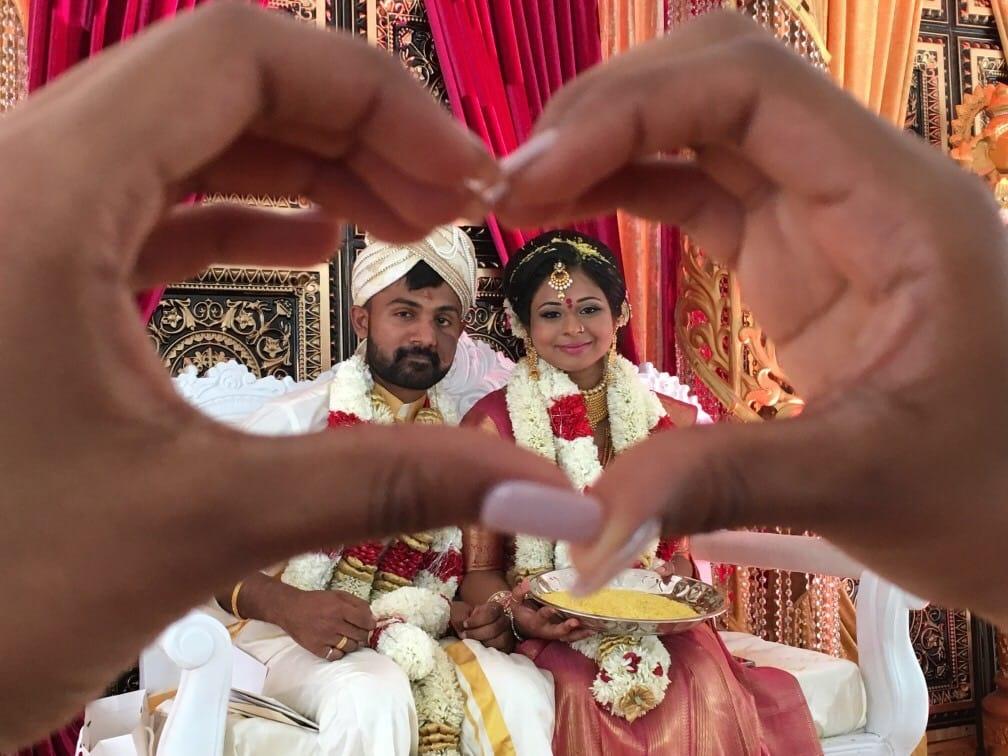 hindu bridal selfie with heart
