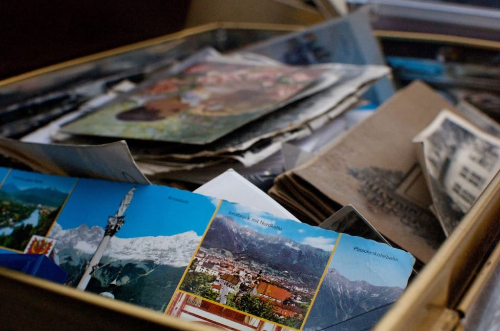 box set of keepsakes groomsmen proposal idea