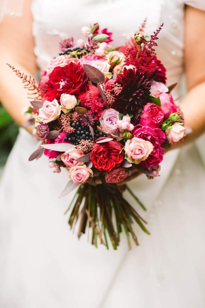 17 Winter Wedding Flowers For Stunning Arrangements Joy