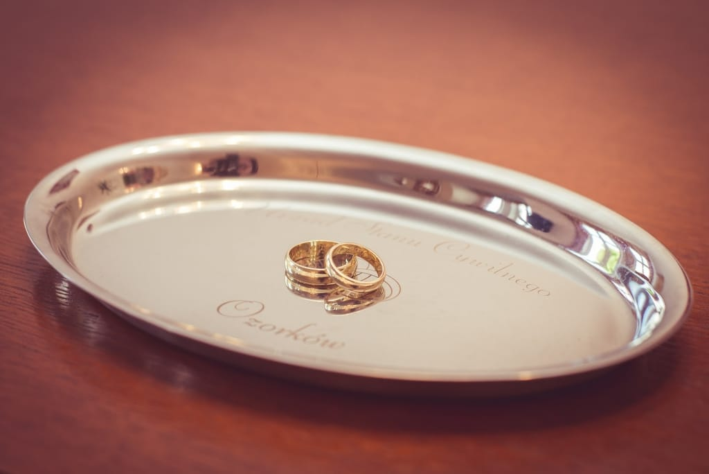 engagement gift ideas: ring dish with wedding bands