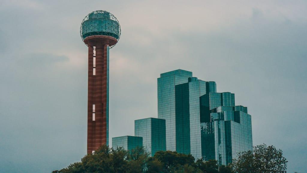 dallas proposal idea reunion tower