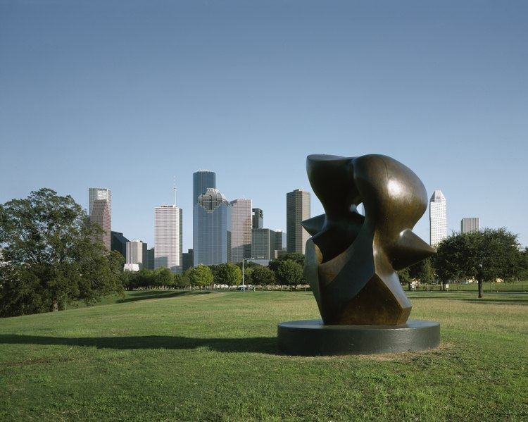sculpture at buffalo bayou park in houston