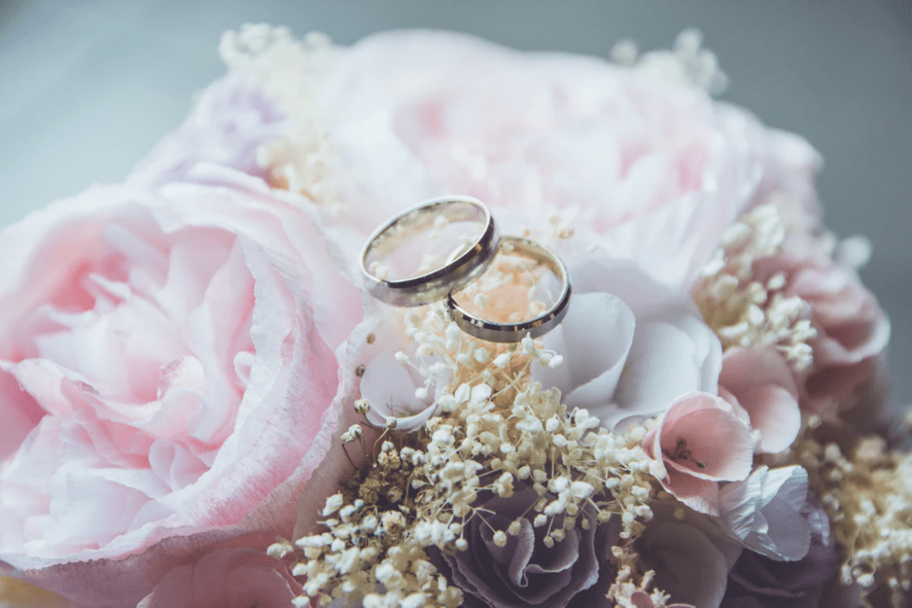 Blush spring wedding colors