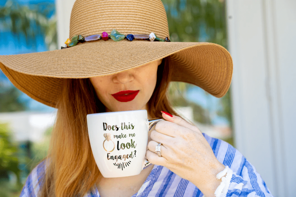 Creative Engagement Photo Ideas: Woman with hat and mug