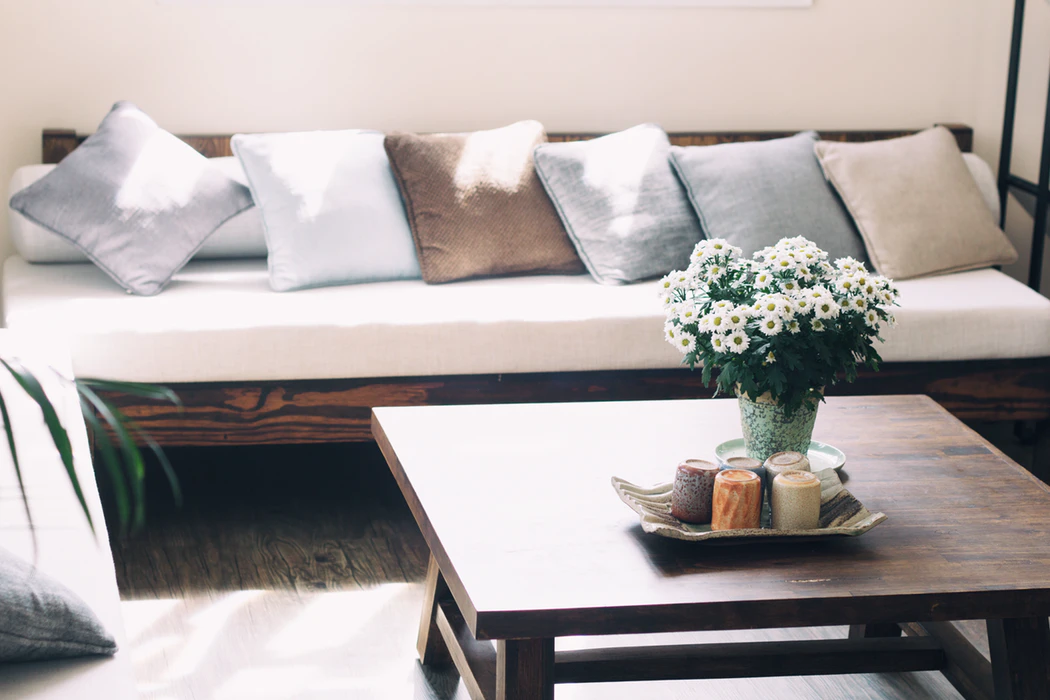 Home decor is one item to add to your wedding registry checklist