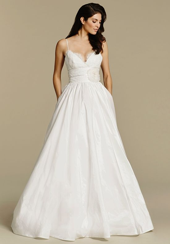 wedding dress with pockets example