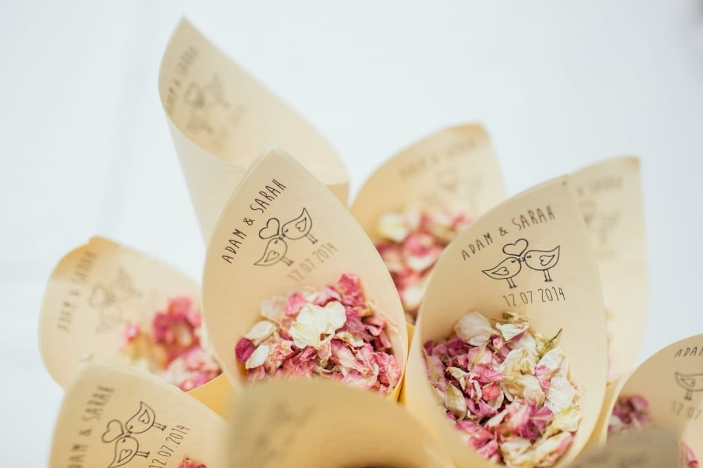Your wedding program can include confetti
