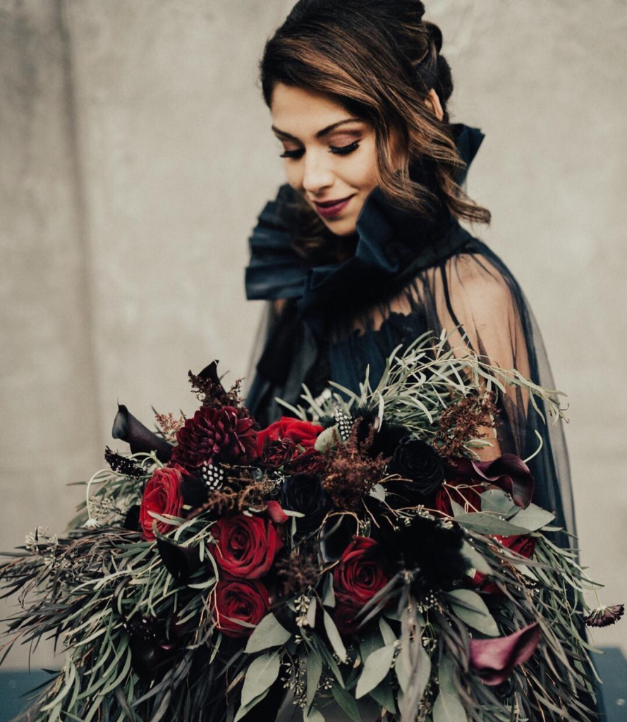 fall wedding style dark colors